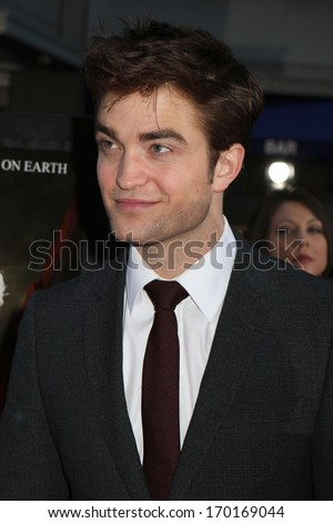 "NEW YORK - APRIL 17: Robert Pattinson attends the premiere of ""Water For Elephants"" at the Ziegfeld Theater on April 17, 2011 in New York City."