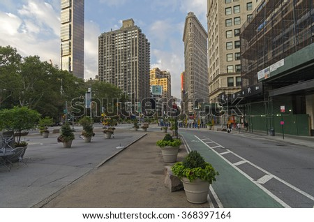 NEW YORK CITY - AUGUST 23, 2015:  The intersection of Broadway and Fifth Avenue, the early morning. Manhattan, New York City.