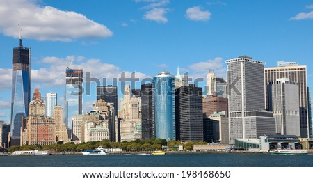 NEW YORK CITY, USA - SEPT 15, 2012: View on Manhattan and the Hudson from the Hudson River Waterfront Walkway in Brooklyn.