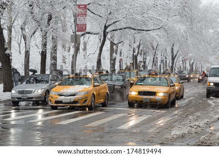 NEW YORK - FEBRUARY 3, 2014: Traffic in snow
