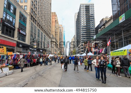 NEW YORK - NOV 2: Walking Stree of New York on Nov 2, 2015 in New York, USA.