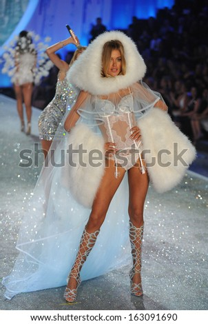 NEW YORK, NY - NOVEMBER 13: Model Doutzen Kroes walks the runway at the 2013 Victoria's Secret Fashion Show at Lexington Avenue Armory on November 13, 2013 in New York City.