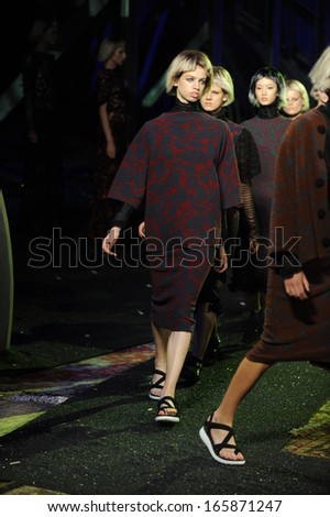 NEW YORK, NY - SEPTEMBER 12: Models walk the runway finale at the Marc Jacobs fashion show during Spring 2014 Mercedes-Benz Fashion Week on September 12, 2013 in New York City.