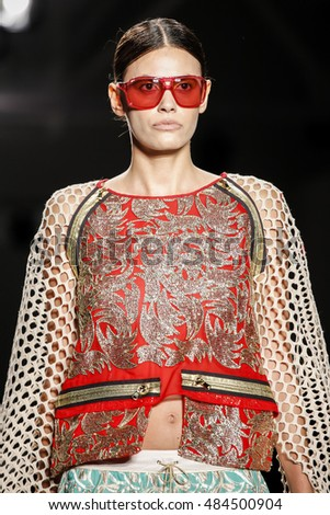 Custo barcelona spring / summer 2017 collection - new york fashion week