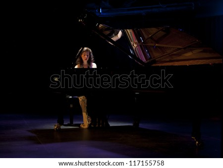 NEW YORK - OCTOBER 28: Pianist Angela Hewitt plays Bach's Goldberg Variations on stage in Le Poisson Rouge on October 28, 2012 in New York City
