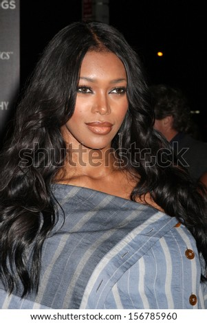 "NEW YORK - SEPTEMBER 30: Jessica White attends a screening of ""Kill Your Darlings"" at the Paris Theatre on September 30, 2013 in New York City."