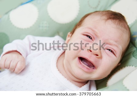 neweborm baby crying