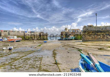 Newquay harbour at low tide, Cornwall, UK. - stock photo