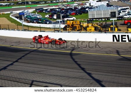 Newton, Iowa USA - July 9, 2016: Verizon IndyCar Series Iowa Corn Indy 300. Race drivers and teams practice before the race. Scott Dixon #9, Chip Ganassi Racing, Target