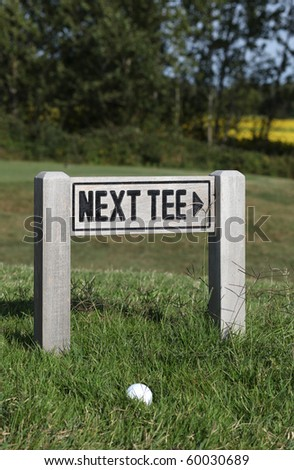 next tee - golf green