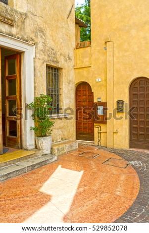 Italian Courtyard Stock Photos Royalty Free Images