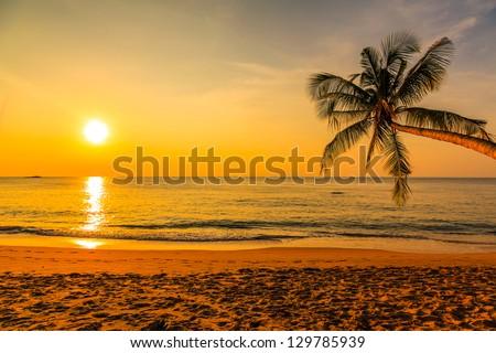 stock photo nice sunset 129785939 - Каталог — Фотообои «Закаты, рассветы»