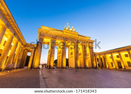 Night time illuminations of the Brandenburg Gate (1788), Berlin, Germany.