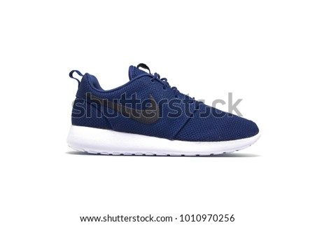 Nike sneaker shoes, Roshe one model, Midnight Navy/White/Black color on