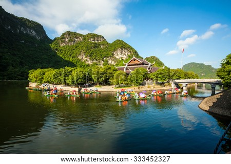 Ninh Binh, Vietnam Otc 29,2015: Trang An is UNESCO World Heritage Site, renowned for its boat cave tours.The Trang An Scenic Landscape Complex includes Hoa Lu, TamCoc- Bichdong, and Bai Dinh Temple