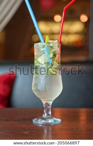 non-alcoholic mohito cocktail at table
