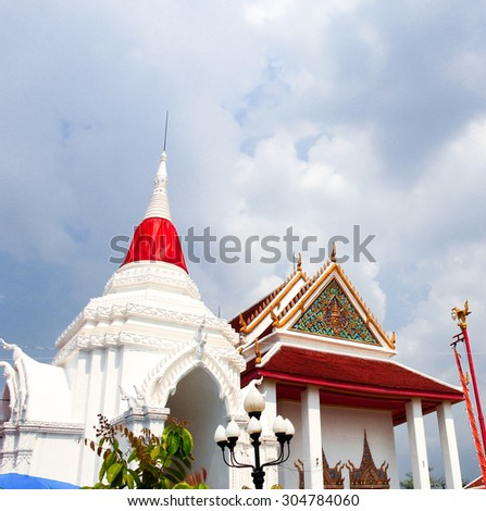 NONTHABURI, THAILAND - JUNE 12, 2015 : Wat Poramai at Pakgred Nonthaburi province is the buddhist sanctuary where famous  and celebrated tourist attraction in Thailand.