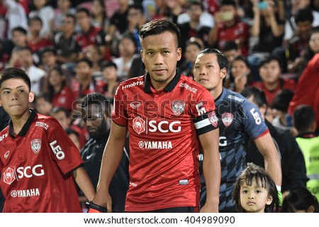 NONTHABURI-THAILAND MAR9:Datsakorn Thonglao of Muangthong Utd in action during Thai Premier League 2016 Muangthong Utd and Bangkok Glass FC at SCG Stadium on March 9,2016 in Nonthaburi,Thailand - stock photo