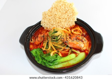 Noodle of shrimp and burnt rice