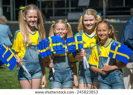 Nake nordic girls