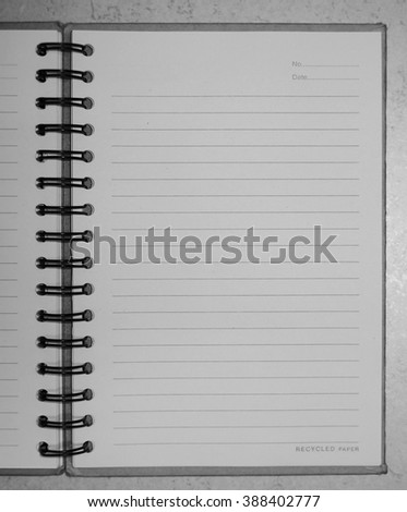 Note paper in black and white tone.