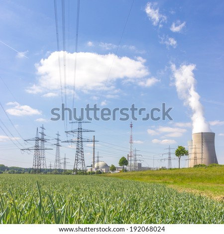 Nuclear power station with power poles