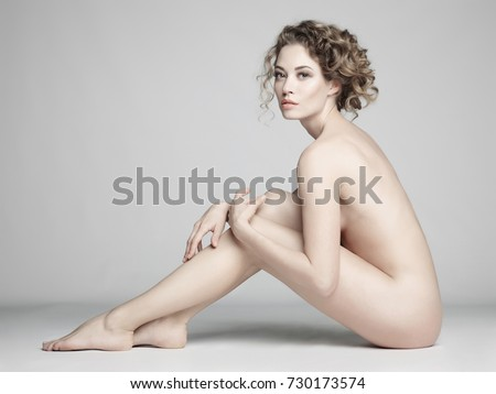 naked woman sit on men sex