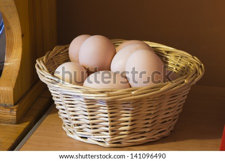 number of eggs in a basket