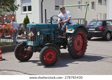 OBERDIGISHEIM, GERMANY - JULY 28: vintage tractors and agricultural machines at Oberdigisheim , July 28, 2013 in Oberdigisheim, Germany