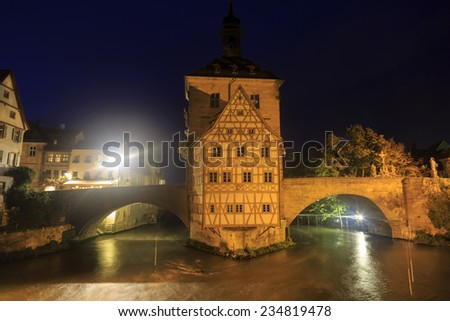 Obere bridge (br�¼cke) and Altes Rathaus at night in Bamberg, Germany