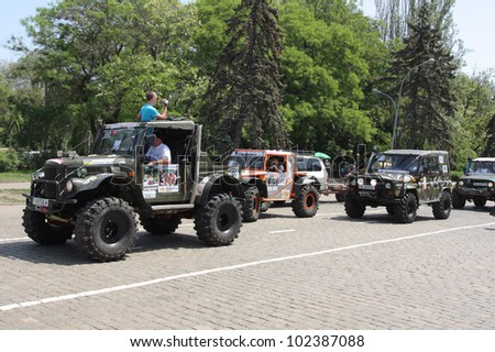 "ODESSA, UKRAINE  MAY 12 : Competition off-road vehicles  ""The Cup of Black Sea"" UAZ , TOYOTA on start taking part at the annual trophy challenge on May 12, 2012 in Odessa, Ukraine"