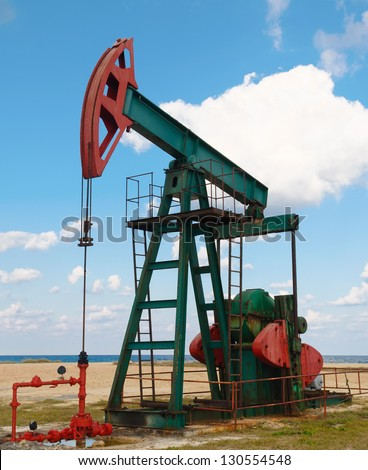 Oil extraction in the Caribbean Islands - stock photo