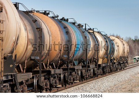 oil or fuel transport in tanks by railway