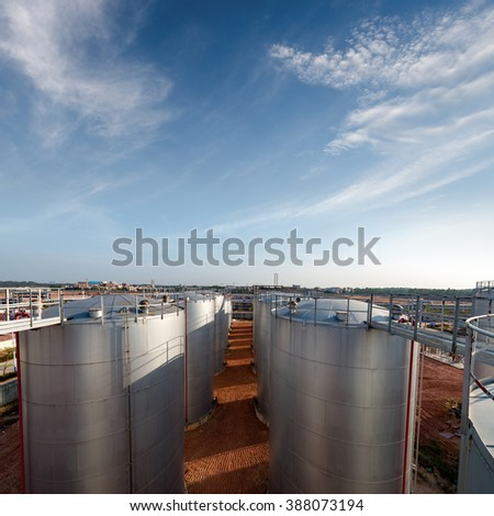 Oil tank in the refinery