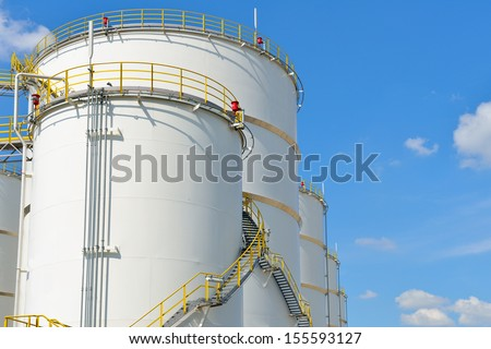 oil tank on oil refinery
