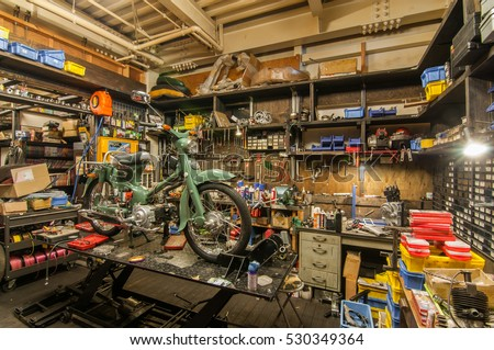 Custom yamaha stock images royalty free images vectors for Garage yamaha scooter