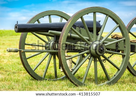 Old american civil war cannon on the Gettysburg battlefield.