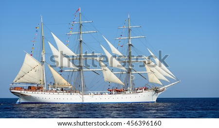 Tall ships pictures art - action figure therapy wallpaper for ipad