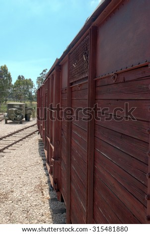 old railroad wagon, 40s, built wooden e iron