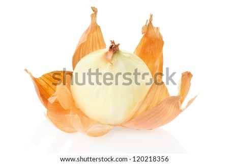 Onion peeled and skin isolated on white background, clipping path included