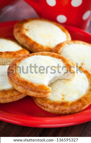 Open mini pies with cottage cheese, selective focus
