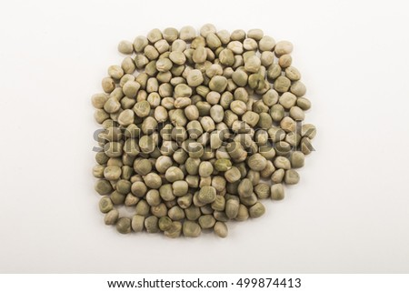 organic dried peas, isolated on white background