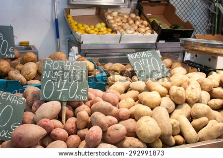 Organic potatoes on stall at Central Market in Valencia
