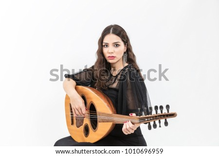 young-girl-with-lute