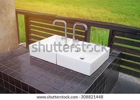 outdoor modern ceramic  washbasin and faucet