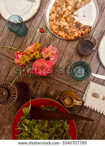 Outdoor rustic pizza party