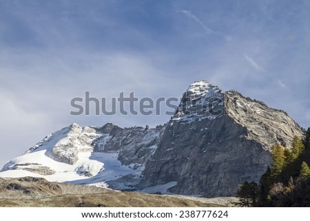 Overlooking the Olperer, the highest peak in the Tux Alps - stock photo