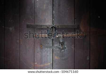 padlock and door lightbrush