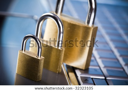 Padlock and notebook computer