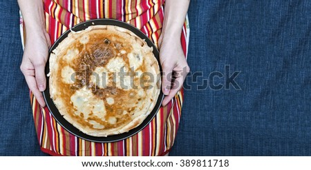 Pancakes in hands